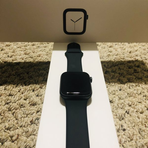 Iwatch series 4 black like new hardly used (44mm)