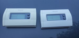 Honeywell RTH230B Programmable Thermostat for Sale in McDonough, GA