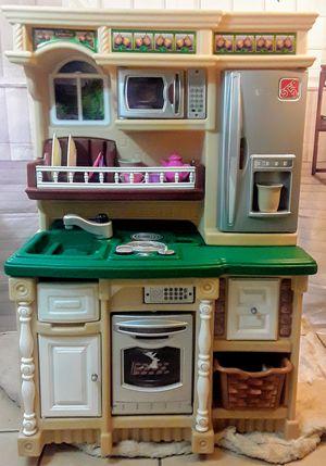 Little Tikes Deluxe Kitchen step 2 /lifestyle Dream Kitchen for Sale in Phoenix, AZ