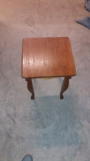 End table small desk for Sale in Owings Mills, MD