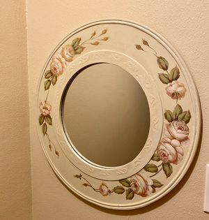 Round decorative wall mirror for Sale in Long Beach, CA