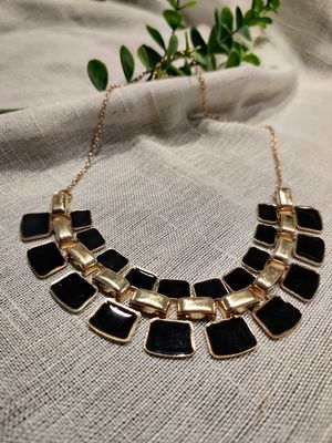 Black and gold bib necklace for Sale in Irvine, CA