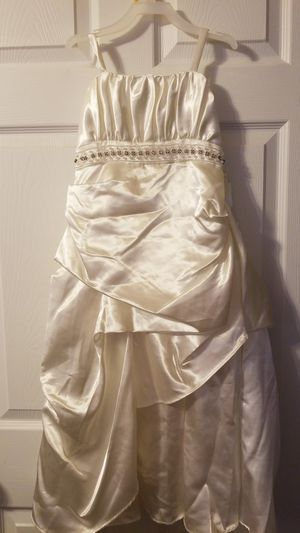 Shari Girl size 6 flower girl Dress for Sale in Conyers, GA