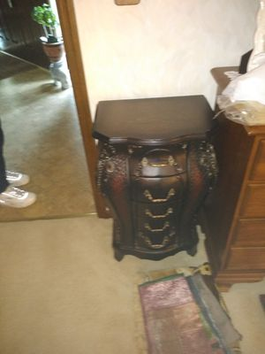 Antique end table for Sale in Westerville, OH