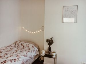 bed with metal frame, box spring and mattres for Sale in Mount Rainier, MD