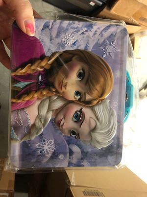 Frozen Anna and Elsa Tin Lunch Box for Sale in Plano, TX