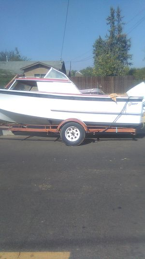 Boat with trailer!! for Sale in Oak Glen, CA