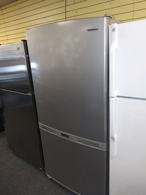 "Samsung 33""wide bottom freezer refrigerator in exellent condition for Sale in McDonogh, MD"