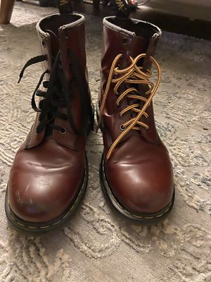 10.5 men's Hardly used brown leather doc martens original for Sale in Costa Mesa, CA
