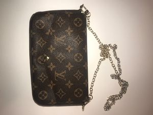 Louis Vuitton Favorite MM Monogram Canvas Cluth Bag Handbag for Sale in UPPR MARLBORO, MD