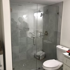Shower Glass Doors for Sale in Hialeah, FL