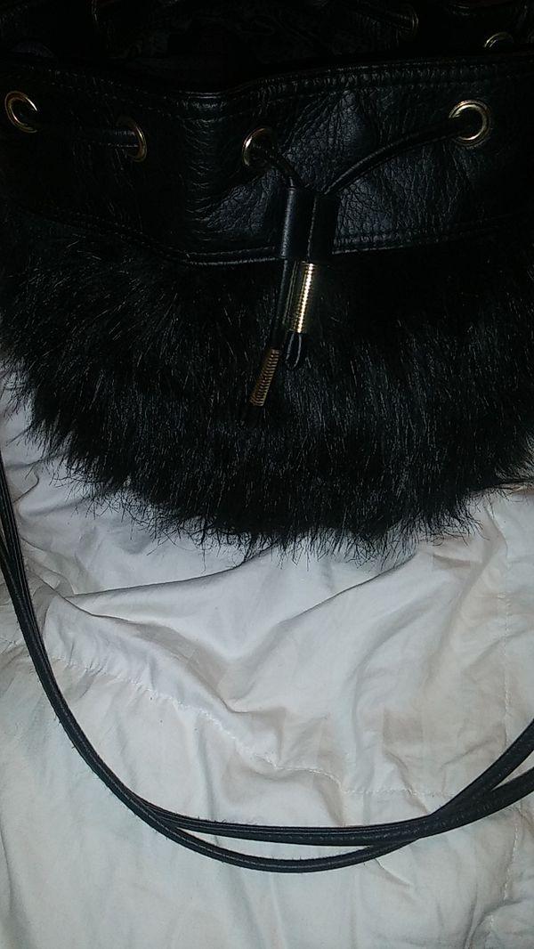 H&M FAUX FUR PURSE BLACK