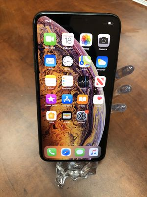 Apple iPhone XS Max 64gb Unlocked Work Worldwide For any Carriers for Sale in Newark, CA