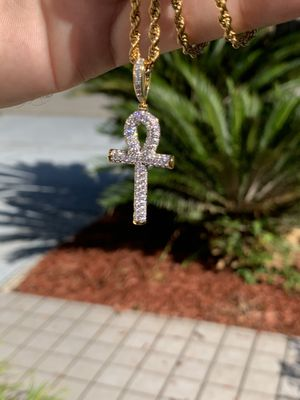 18k gold rope chain and diamond cross! Special! for Sale in Tampa, FL