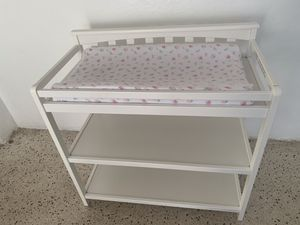 Baby Changing Table Made in wood with 2 lower compartments white + changing mattress for Sale in Miami, FL