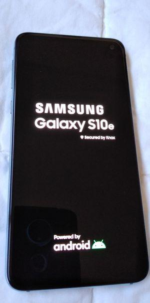 Samsung Galaxy S10e Unlocked Desbloqueado T-mobile Metro PCS simple mobile AT&T Cricket wireless for Sale in Los Angeles, CA