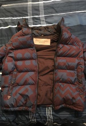 Burberry Brit Winer coat. Sleeves unzip to make a vest for the spring for Sale in Philadelphia, PA