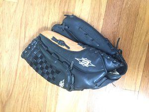 Easton baseball glove for Sale in Washington, DC