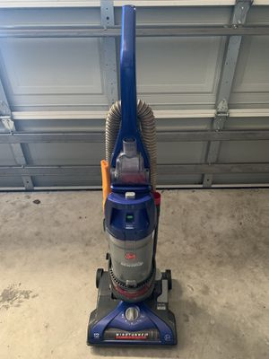 Hoover WindTunnel 2 Vacuum Cleaner for Sale in Kissimmee, FL