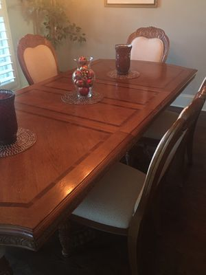 Quality dining room set and China cabinet for Sale in Murfreesboro, TN
