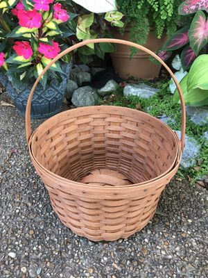 Longaberger Handled Basket for Sale in Franklin, TN