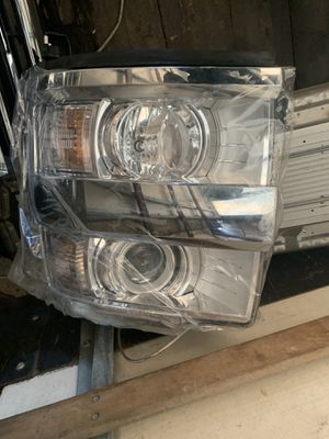 2015-2019 Chevy Silverado hd3500-hd2500 passenger side headlight new for Sale in Capitol Heights, MD