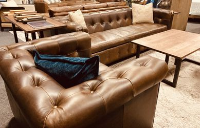 TUFTED TOP GRAIN LEATHER SOFA for Sale in Nashville,  TN