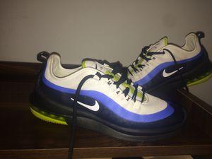 Mens Nike air max shoes size 9 for Sale in Kailua-Kona, HI