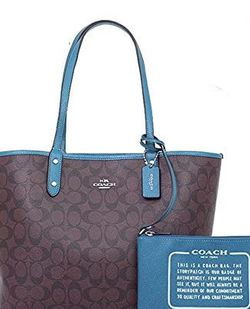 Coach Wristlet Large Wallet Clutch ONLY NO PURSE for Sale in Elk Grove Village,  IL