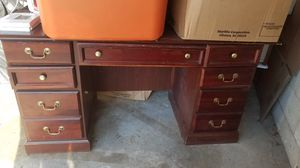 Nice big desk, 30 x 30x 60 for Sale in Mount Healthy, OH