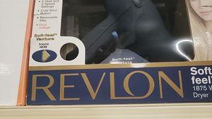 Hair straighteners REVLON 1875 watts for Sale in Fresno, CA