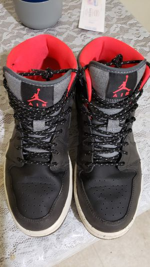Nike Air Jordan 1 Mid 'Holiday' Size 8.5 M for Sale in North Chesterfield, VA