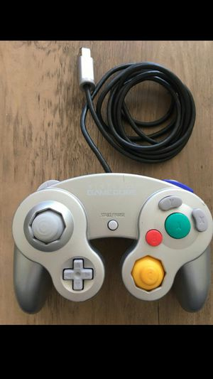 Nintendo GameCube Controller(silver) - GREAT CONDITION for Sale in Kent, WA