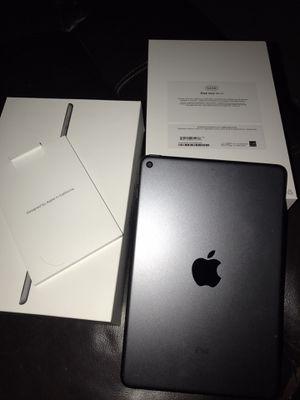 iPad mini 5th gen for Sale in Los Angeles, CA