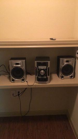 Cd plaster DVD player Bluetooth Sirius radio for Sale in Richmond, TX