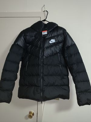 Brand new men's nike puffer winter jacket size large .Please no trades only accepting offers from 165$ !!!!NO TRADES for Sale in Queens, NY
