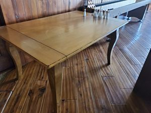 Solid wood table. for Sale in Park City, UT