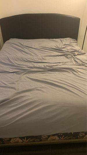 Full bed with mattress and box spring for Sale in Chula Vista, CA