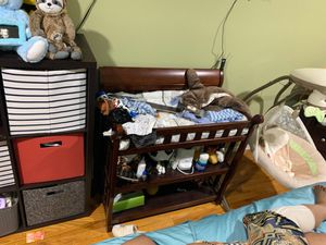 Diaper changing table for Sale in Brooklyn, NY