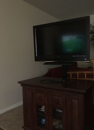 Tv and stand with mount and remote. for Sale in Jonesboro, AR