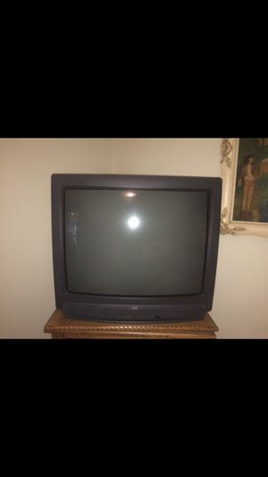 3 Free TVS 25 27 and 30 inch for Sale in Downers Grove, IL