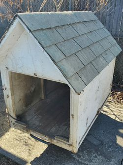 Large Dog House 32 Wide By 50 Deep. Light Inside With Switch for Sale in Columbus,  OH