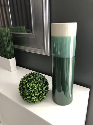 """Beautiful Decorative Vase and Topiary Ball - 18"""" x 5"""" - NEW! Shippable 📦 for Sale in Joliet, IL"""