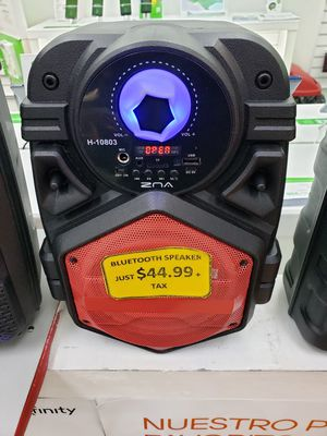 PORTABLE BLUETOOTH SPEAKER for Sale in South Houston, TX