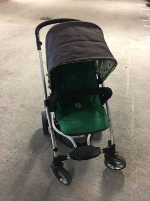 Stroller mama and papas for Sale in Everett, MA