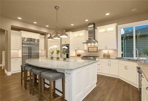 White Shaker Kitchen Cabinets Wholesale Pricing for Sale in Seattle, WA