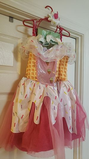 Ice cream Halloween costume 12.00 girls large good condition for Sale in Raynham, MA