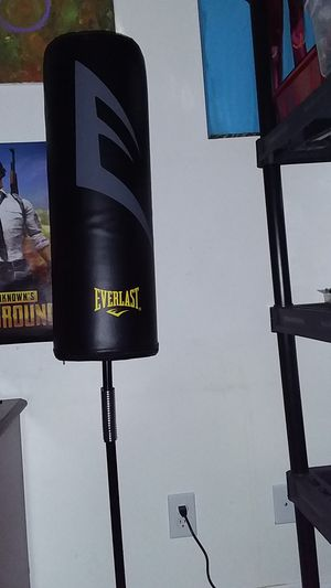 Punching bag for Sale in Coffeyville, KS