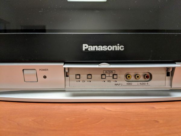 TV (Works, Universal Remote & Coaxial Cable Included)