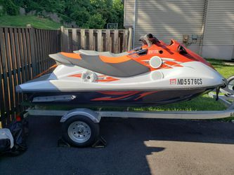 2 2015 Yamaha waverunner v1 sport with new trailer asking 10k for skis and trailer for Sale in Upper Marlboro,  MD